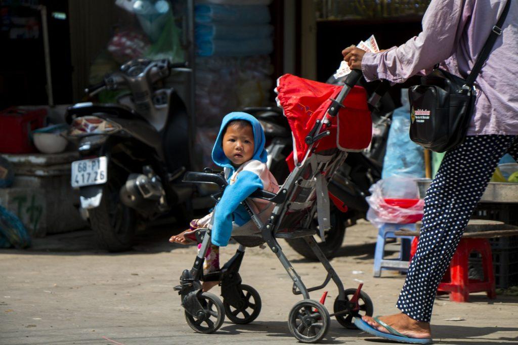 Child Vietnam Phu Quoc Street - petto123 / Pixabay
